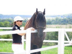 Sabine im Coaching mit Pferden