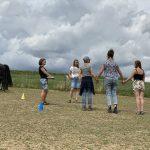 Frau im Pferdegestützten Coaching